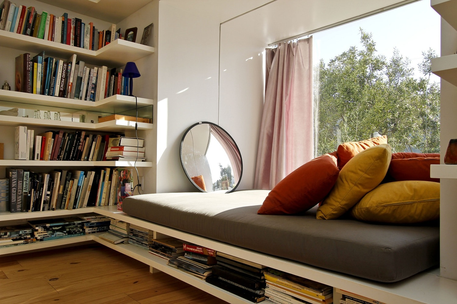 How to create a reading nook that your kids will want to spend time in honestly i cannot get enough of the website much to my other halfs amusement or rather lack of it when i talk about beginning yet another home solutioingenieria Image collections